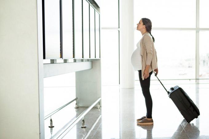 Gobierno de EE.UU. confirma restricción de visas a embarazadas