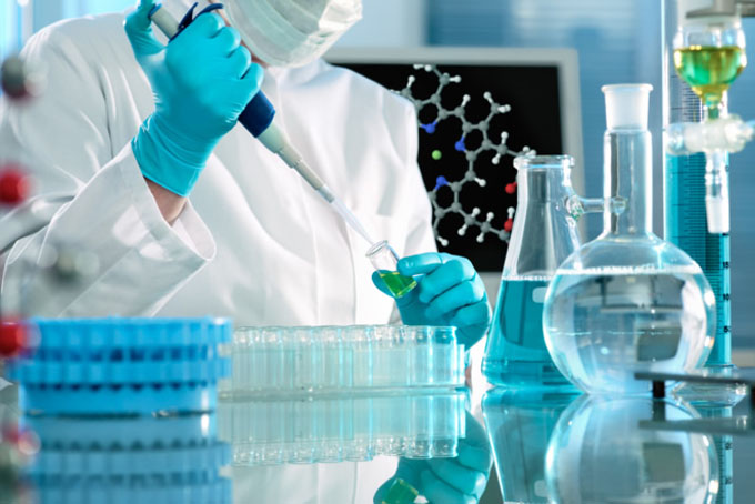 Pone a prueba Cuba productos contra el cáncer y otras enfermedades