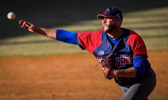 Lázaro Blanco oxigena a los Toros en Gran final de la pelota cubana