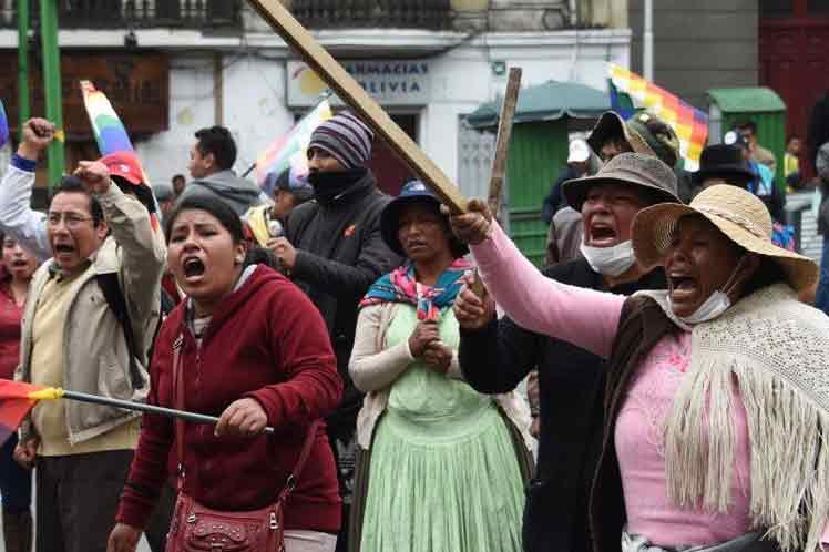 Rechazan en Bolivia ampliación de mandato de régimen golpista