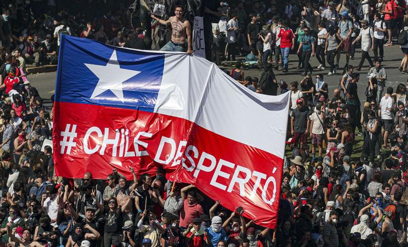 Chile comienza el año reclamando cambios y respeto a derechos humanos