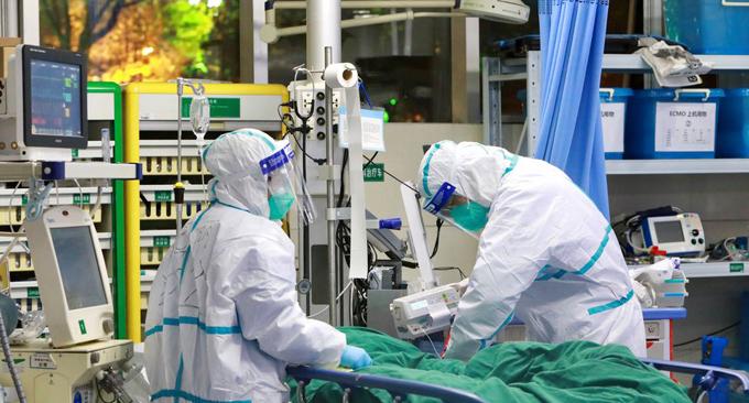 Sospechoso de contagio por coronavirus en Ecuador sigue crítico