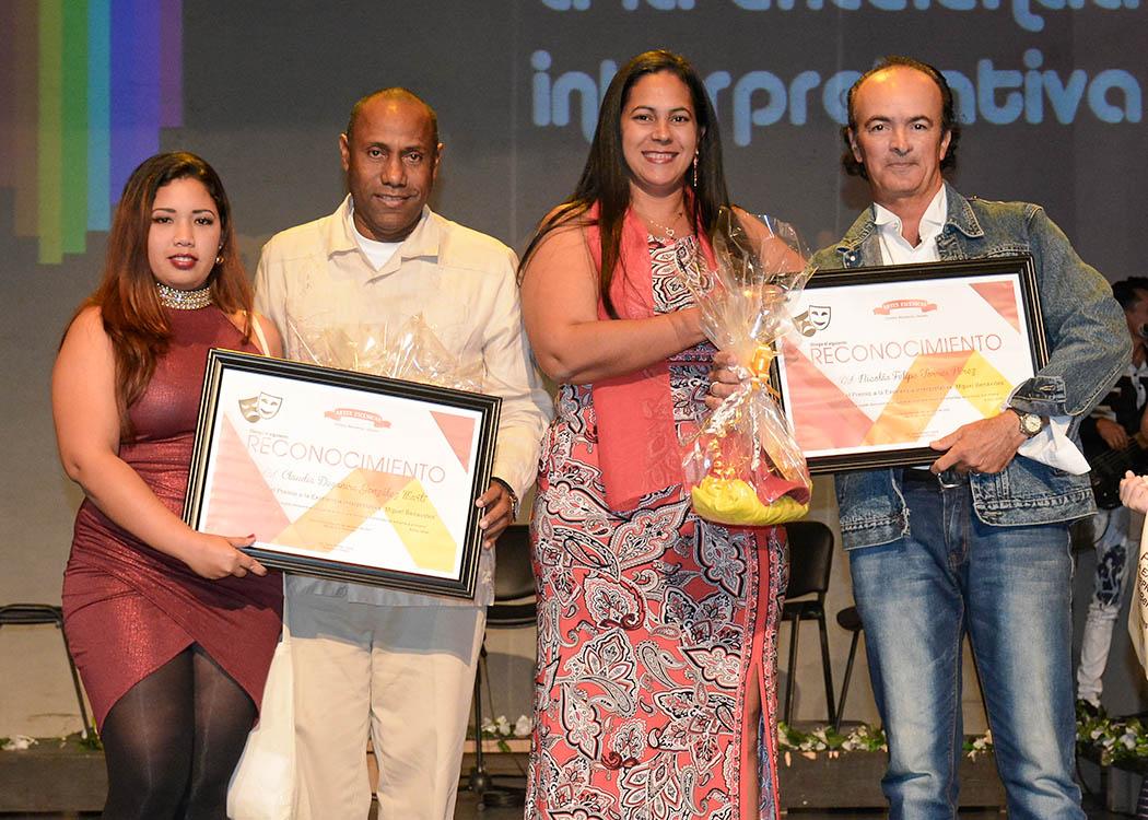 Dan a conocer en Bayamo premios de teatro Miguel Benavides