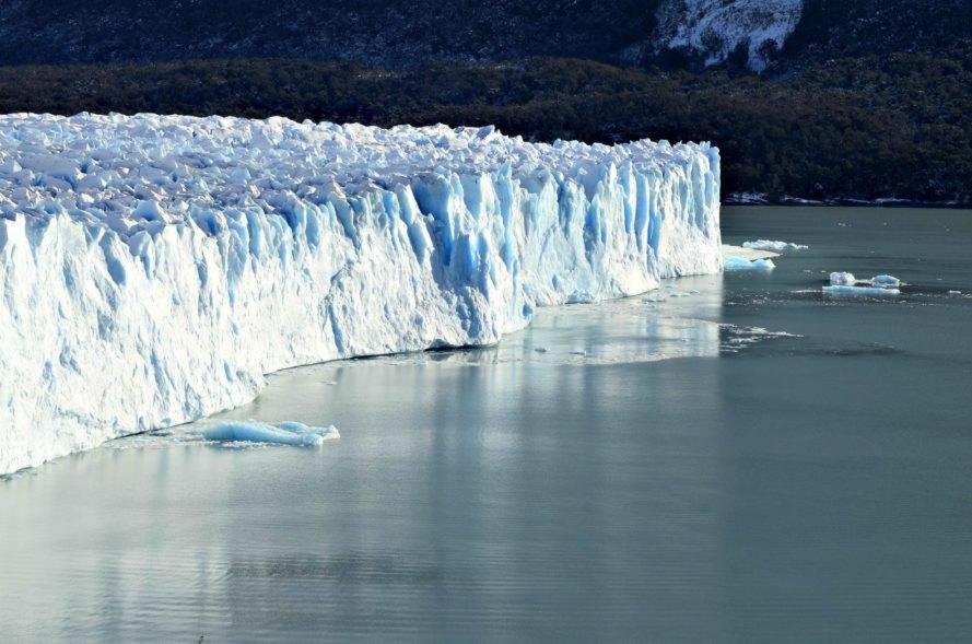 Alertan sobre inminente desprendimiento de capa de hielo en Antártida