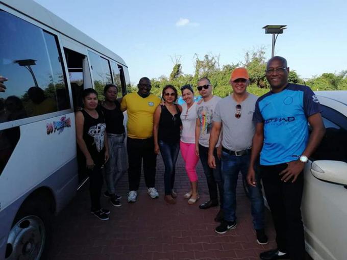 Médicos cubanos prestan colaboración en zonas rurales de Suriname