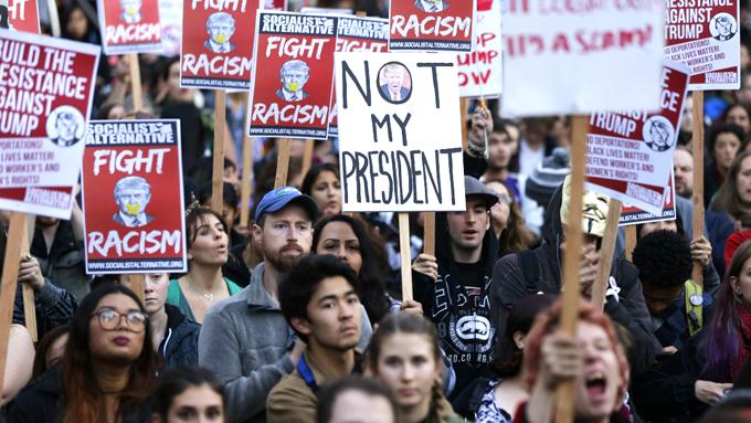 Lanzan grupo para impulsar a latinos en EE.UU. a votar contra Trump