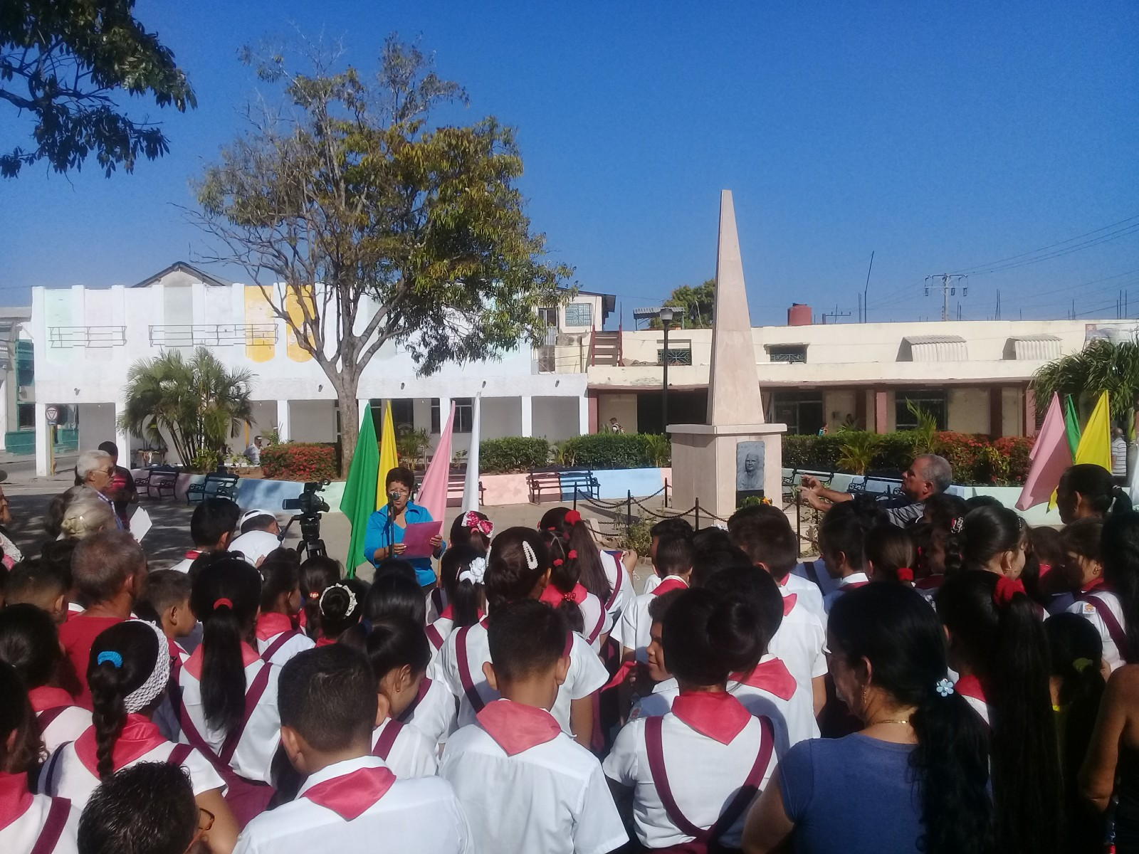 Manzanilleros recuerdan a Paquito Rosales