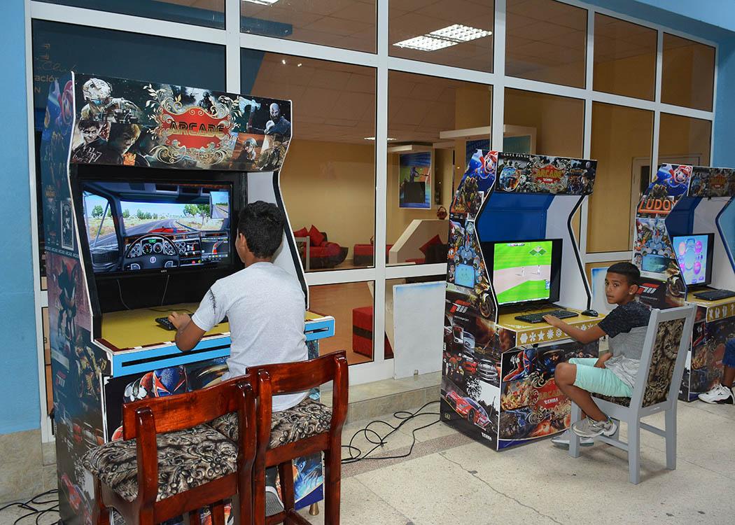 Puntualizan prioridades de los Joven Club de Computación y Electrónica