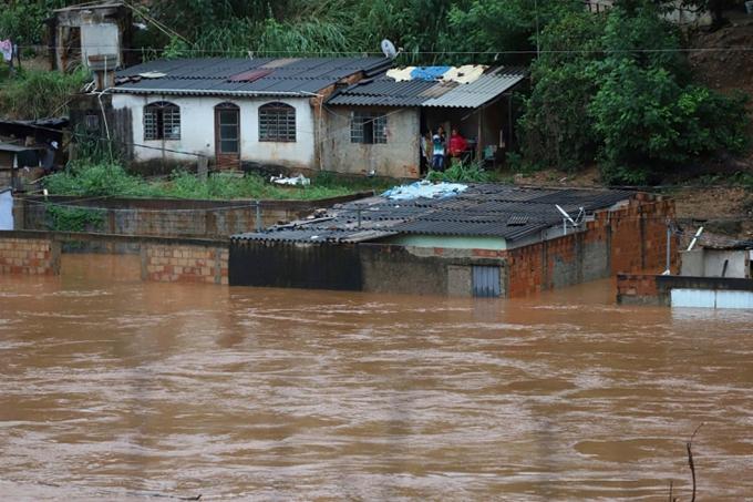 Brasil: caos en estado de Sao Paulo por temporal de lluvias