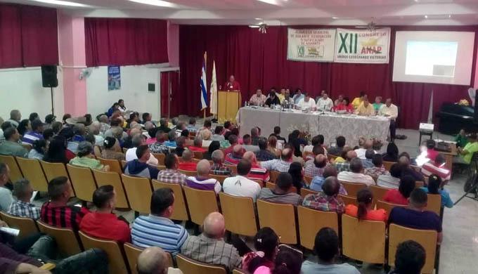 Campesinos de Manzanillo contra el bloqueo y por más alimentos