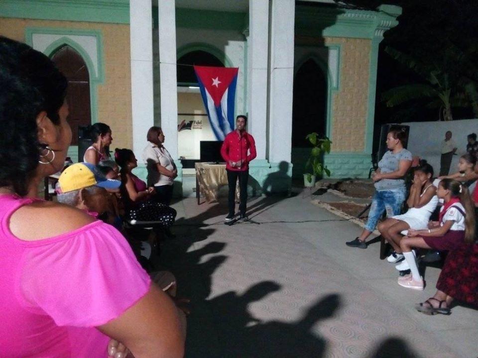 Realizaron niquereños barrio debate Por el deber Patrio antiimperialista