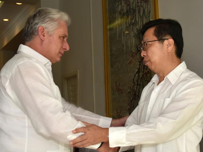 Reitera Presidente cubano apoyo y solidaridad al gobierno y pueblo chinos ante brote del coronavirus