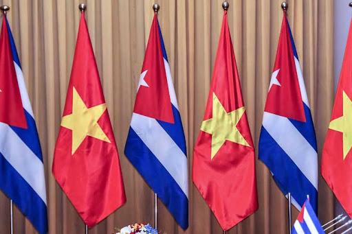 Cuba y Vietnam constatan excelencia de relaciones