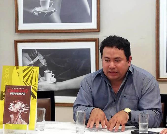 Anuncia escritor bayamés conclusión de nuevas novelas