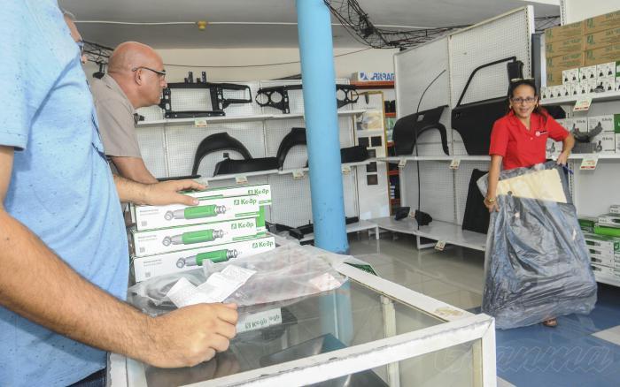 Gobierno cubano informa sobre nuevas medidas para las ventas de mercancías en monedas libremente convertibles (+ video)