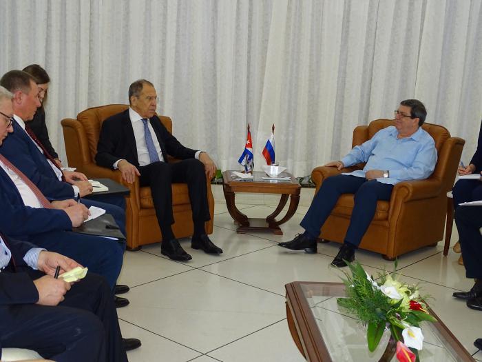 Destaca presidente de Cuba proyectos de colaboración con Rusia