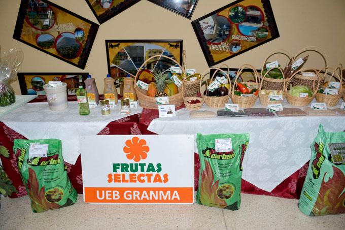 Buscan mayor efectividad en comercialización agrícola con el Turismo