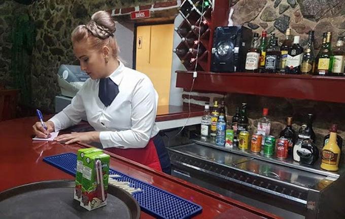 Se elimina el pago en cuc en las unidades gastronómicas del sistema de comercio