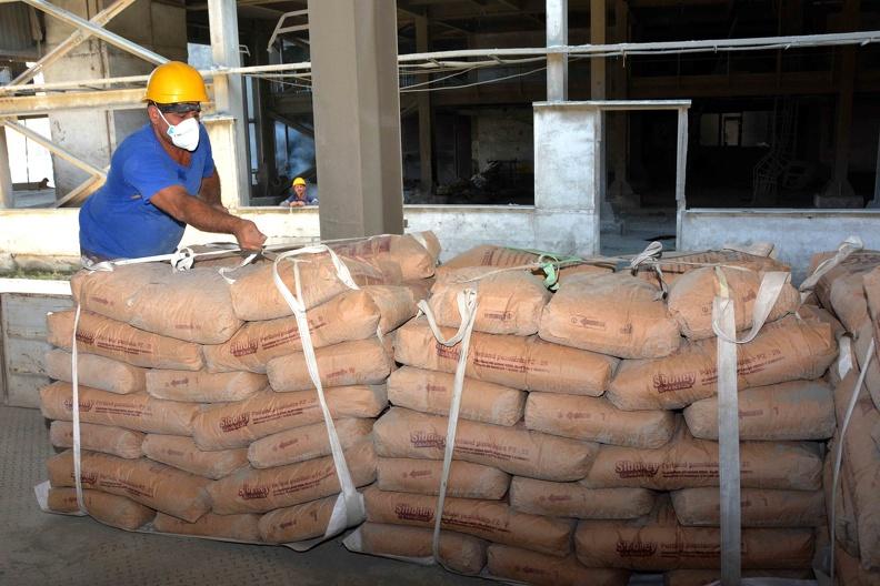 Mejora Cienfuegos tributación de cemento para el resto de Cuba (+Fotos)