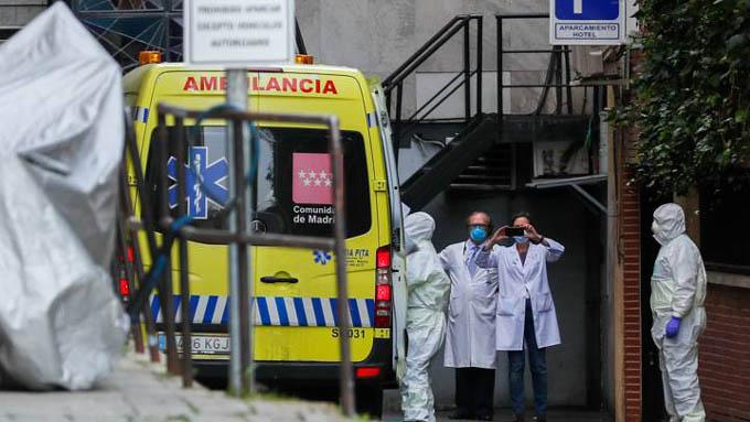 España registra dos mil 182 muertes y 33 mil contagios por Covid-19
