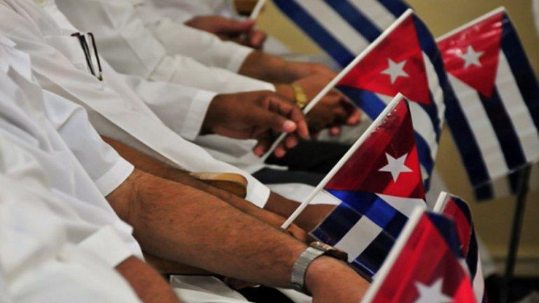 Encomia Díaz-Canel labor de médicos cubanos