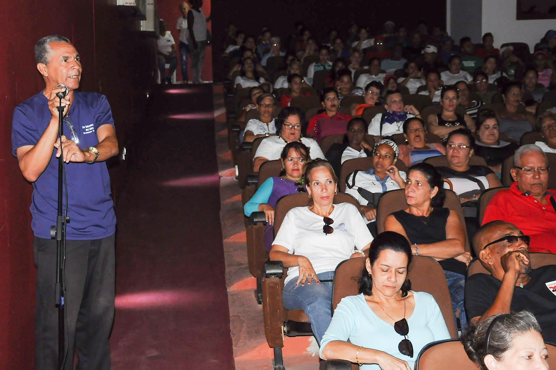 En Bayamo, denuncia cultural contra el bloqueo