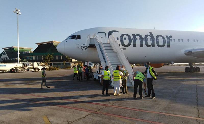 Cuba extiende su mano solidaria a aeronave en vuelo humanitario