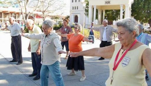 Más del 20 % de la población cubana supera los 60 años y se han indicado medidas para protegerla
