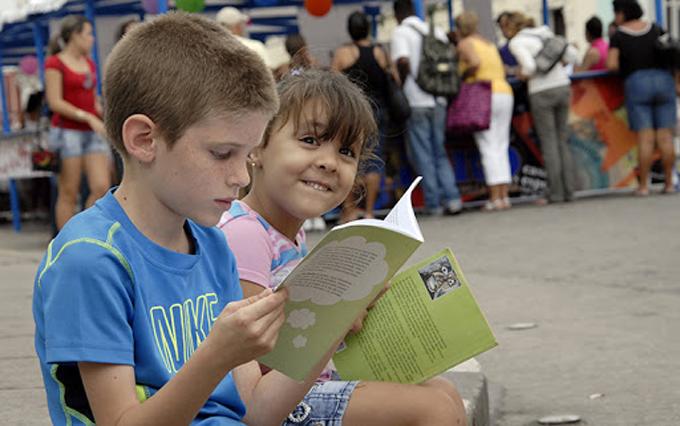 Primer ministro de Cuba recuerda Día del Libro en la isla