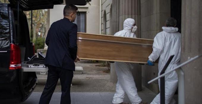 España supera las cinco mil muertes y 72 mil contagios por Covid-19