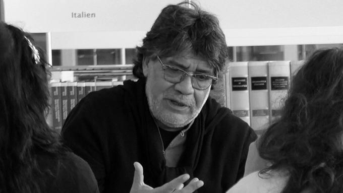 Fallece en España el escritor chileno Luis Sepúlveda por coronavirus