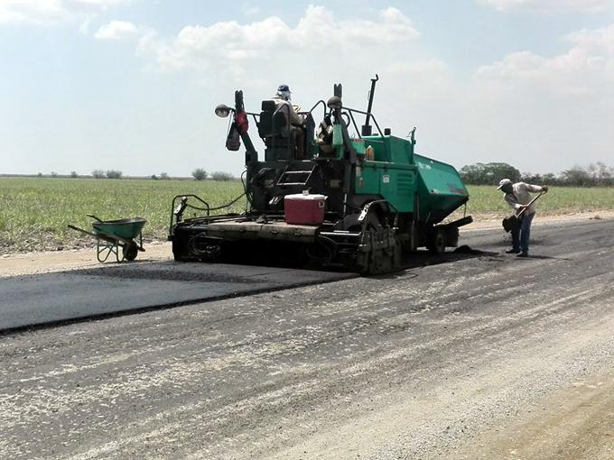Reparan tramo de la carretera Tunas-Bayamo