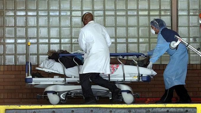 Covid-19 en el mundo: Estados Unidos registra casi dos mil muertos en las últimas 24 horas