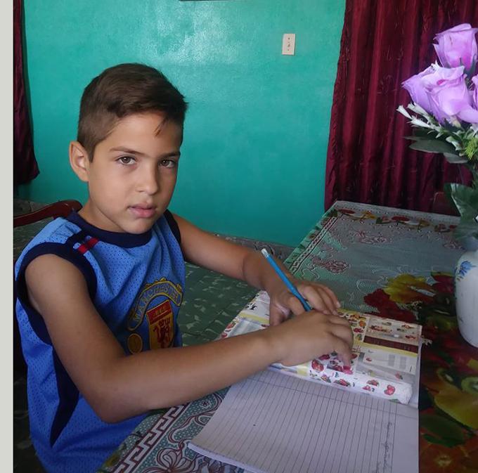 Hogares de Cuba convertidos en espacios para el saber