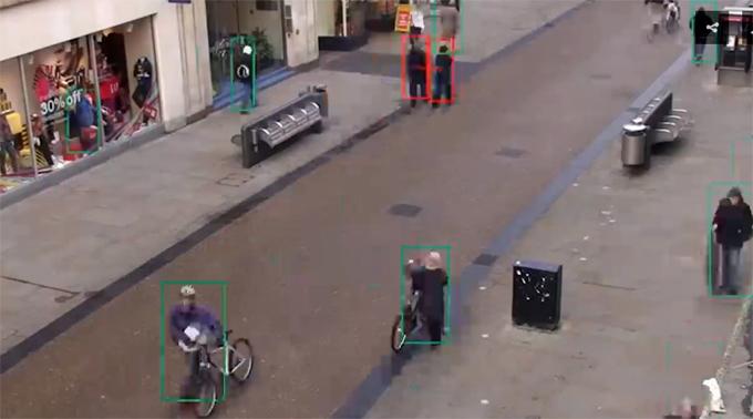 Crean un detector con inteligencia artificial que controla el distanciamiento social (+video)