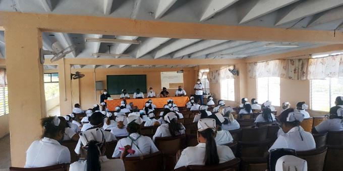 Concluye Diplomado en cuidados intensivos en ciencias médicas Bayamo