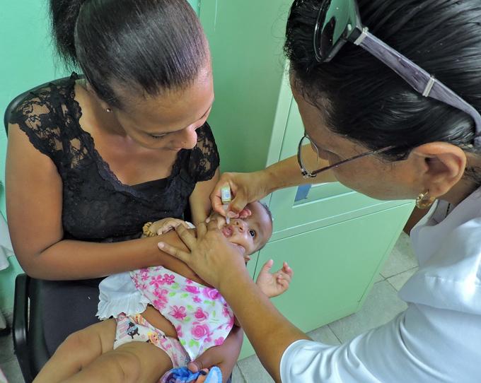 Cuba mantiene programa de vacunación en medio de Covid-19 (+video)