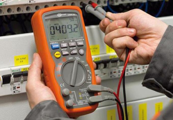 Servicios de reparación y calibración de la eléctrica no se detienen