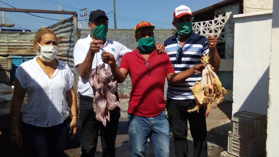 Aportan anapistas productos alimenticios a instituciones bayamesas