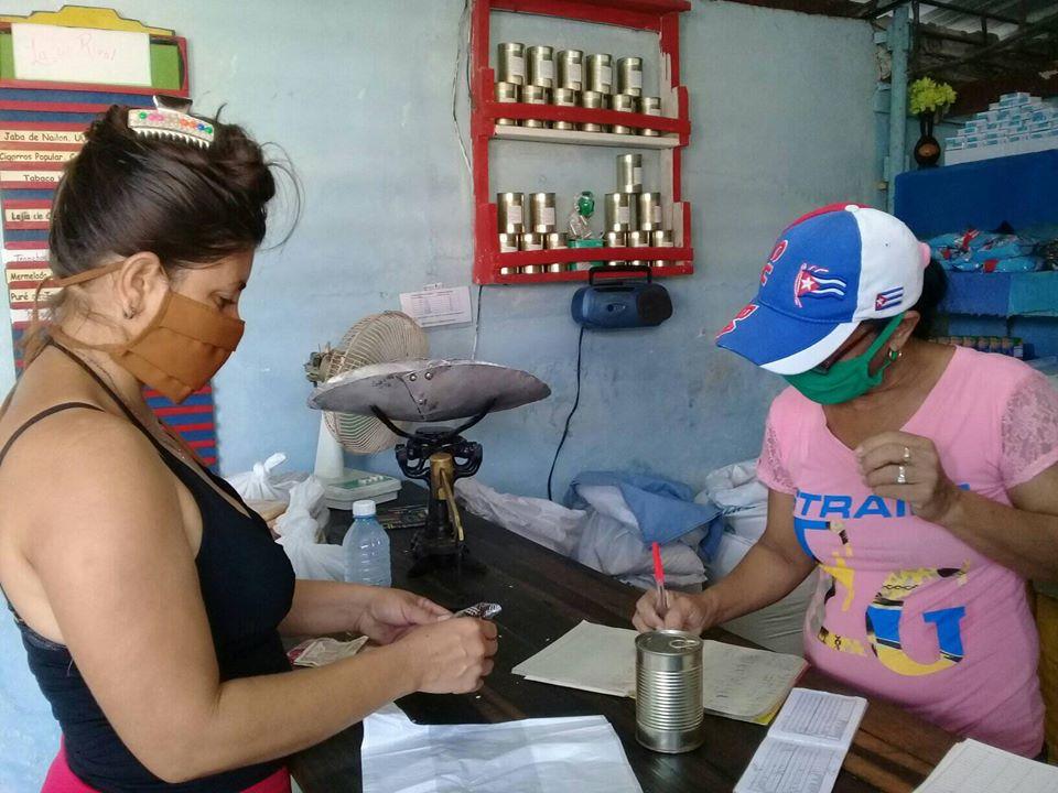 Comercializan en bodegas niquereñas pescado enlatado de producción local