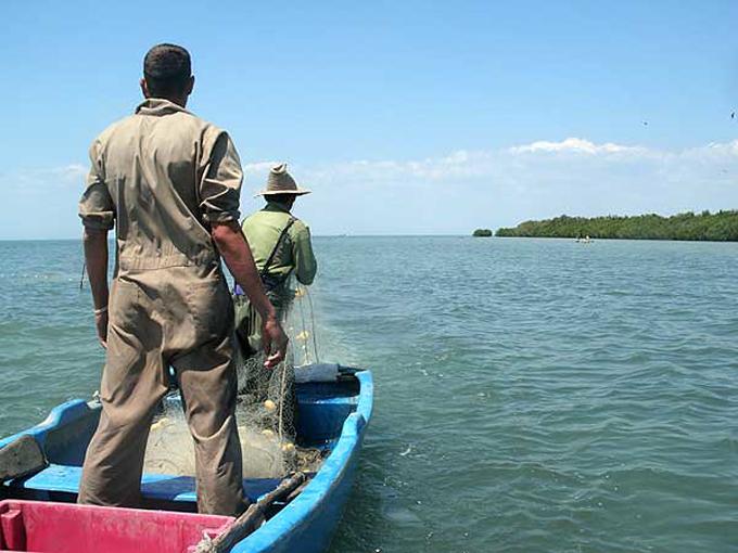 Capacitan en Granma sobre nueva Ley de pesca (+video)