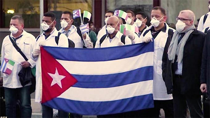 """Regresa a Cuba la primera brigada médica del Contingente """"Henry Reeve"""" que laboró en Italia (+video)"""