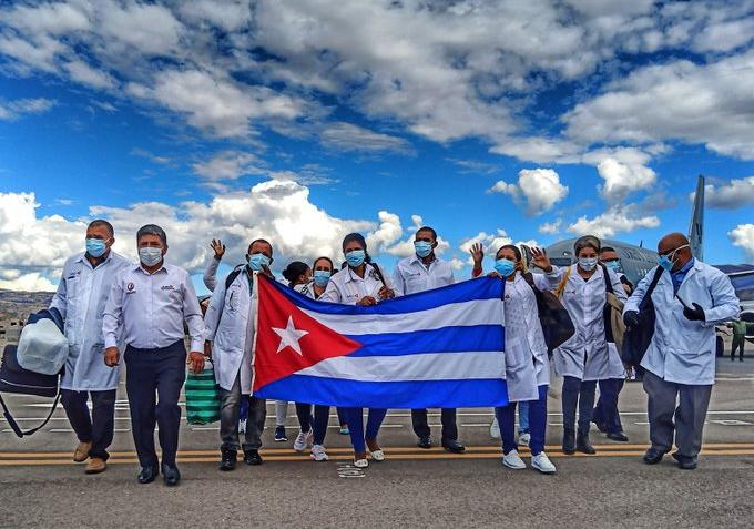Brigadistas cubanos en nueva jornada de lucha contra Covid-19 en Perú (+video)