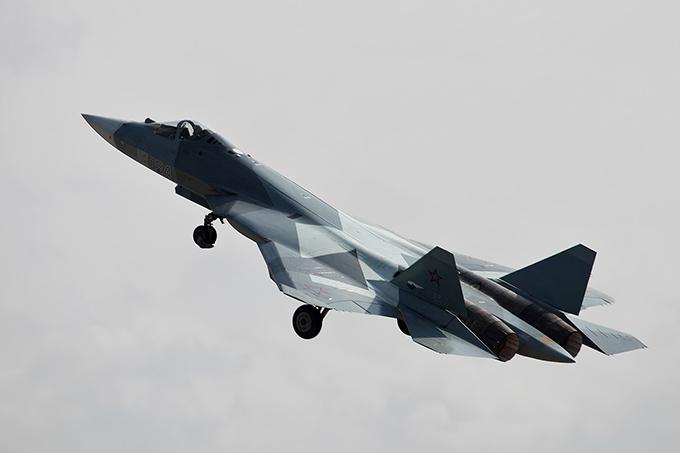 Cazas rusos interceptan avión espía de EE.UU. en mar Negro