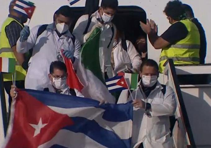 Regresan a la Patria médicos que apoyaron lucha contra la Covid-19 en Italia (+fotos y video)