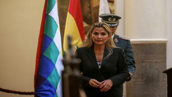 Incita presidenta de facto de Bolivia a reprimir movimientos sociales (+video)