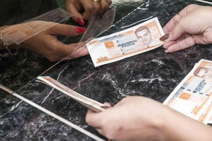 Avanzará banca cubana a la par de la recuperación ante la Covid-19 (+video)