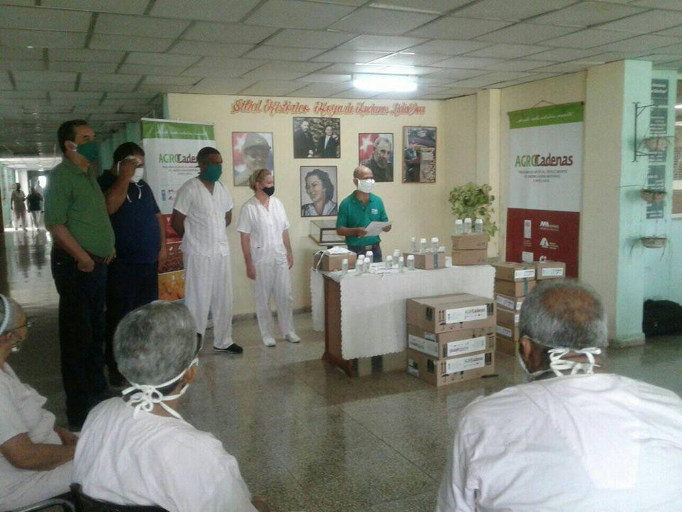 Entregan donativos a hogar de ancianos Lidia Doce, en Bayamo (+fotos)