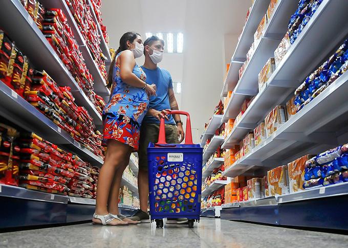 Informan sobre productos básicos priorizados para la venta en CUC en Cuba