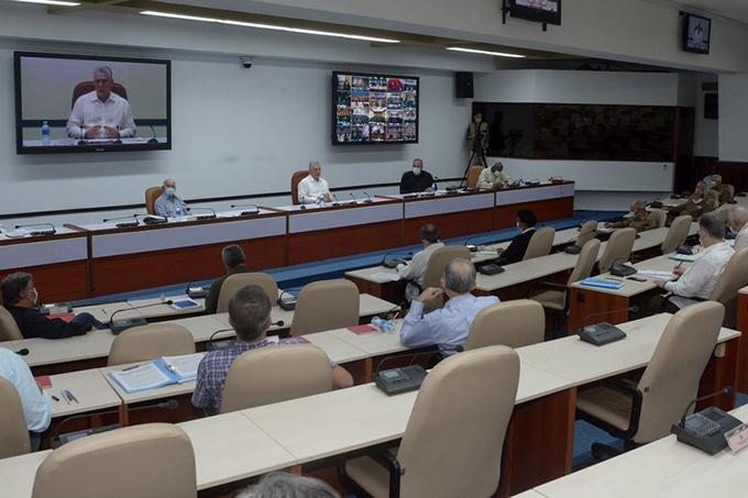 Presidente de Cuba llama a fortalecer las estructuras municipales